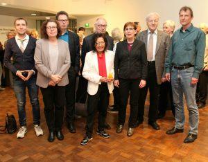 Die diesjährige Mitgliederversammlung von proKULTUR fand in der Rotunde des MKK statt. Anschließend bat die Vorsitzende Annie Sarfeld zum Frühlingsfest.