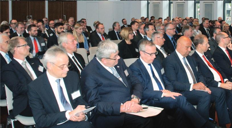 Teilnehmer des Bundesverbandes der Assekuranzführungskräfte (VGA Köln) beim Dortmunder Versicherungstag, Foto: Rüdiger Beck