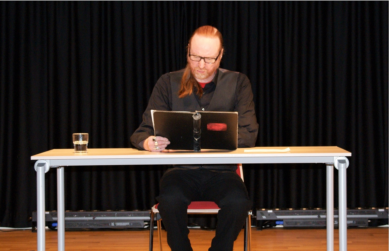 Carsten Bülow präsentierte in der Auftaktveranstaltung Erzählungen und Legenden über das historische Dortmund (Foto: Rüdiger Beck)